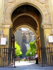 Catedral (Graça Vargas) Tags: door españa canon sevilla spain cathedral ph227 graçavargas ©2008graçavargasallrightsreserved 5902200109