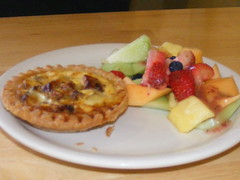 Quiche w/ fruit (izzy311) Tags: fruit breakfast yummy yum quiche humgry