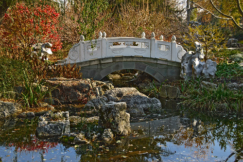 "Missouri Botanical (""Shaw's"") Garden, in Saint Louis, Missouri, USA - bridge in Chinese Garden"