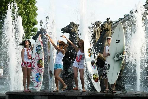 Мокрая одежда на улице фото фото 60-194