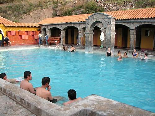Piletas de aguas termales de Chivay (by morrissey)