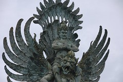 Garuda Mount (rollanb) Tags: travel vacation bali statue architecture indonesia nikon resort nikkor hindu dreamland garuda wisnu balinese gwk hanoman visnu 18200mm kencana d40 dreamlandbeach rollanb rollanbudi