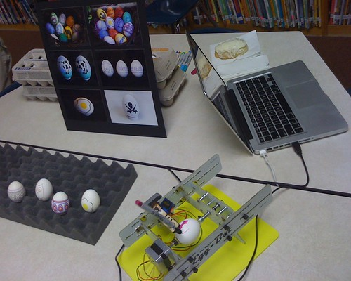 Egg-Bot at Higher Learning Day