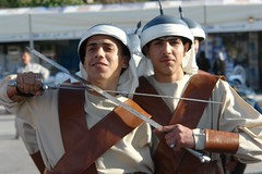 Two swords (CharlesFred) Tags: peace middleeast syria hospitality hama siria syrian honour  syrien syrie suriye  syrians syrianarabrepublic    hamaspringfestival shoufsyria    welovesyria aljumhriyyahalarabiyyahassriyyah siri