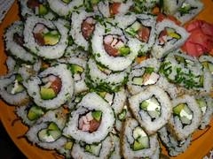 Sushitazo (Una imagen vale ms...) Tags: chile birthday santiago friends verde green canon sushi wasabi cumpleaos celebracin sushinight palta salmn amigs quesocrema nochedesushi sushitazo