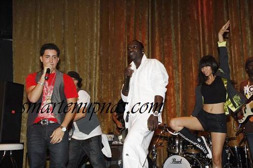 akon on stage