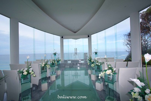 Conceptualized in a modern Balinese design the Wiwaha is a perfect place to