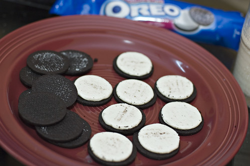 Opened up the Oreos.