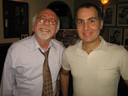 Compartiendo con Alfred D. Herger durante la conferencia de prensa celebreada en la Fundación Nacional Para la Cultura Popular el 5 de agosto de 2008