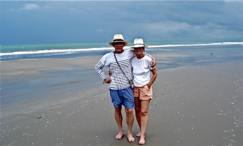 small-business-couple-on-Ecuador-Coast