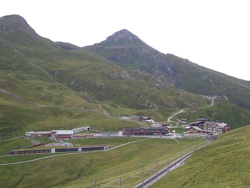 Approaching Kleine Scheidegg station