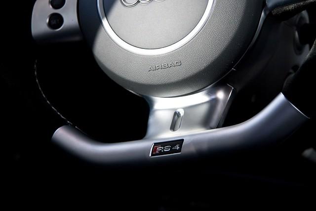 white detail logo 4 7 s r audi 2008 rs b7 avant 2007 rs4 horch lenkrad 8e typ weis