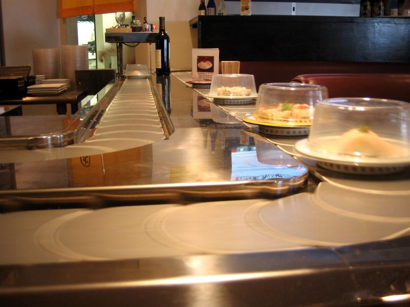 conveyor belt sushi. Kaiten Sushi Daichan