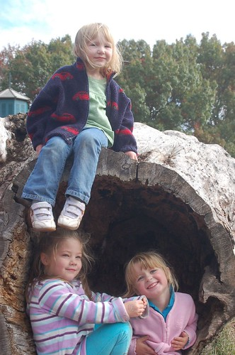 Leda, Sydney and Paige, Linvilla 08
