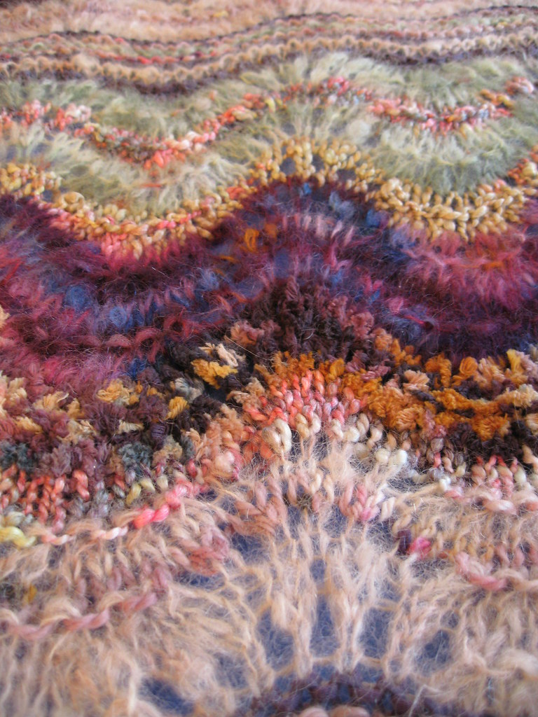Colinette Ab Fab Antique Closeup_01