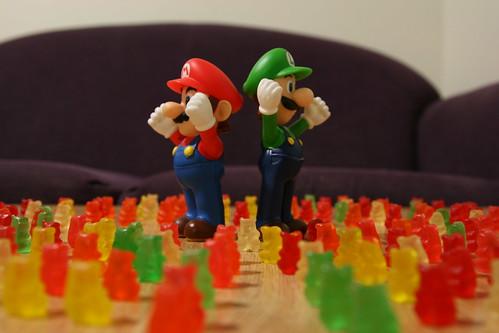 Mario & Luigi - 126 - Gummy Army