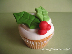 holly and berry cupcake