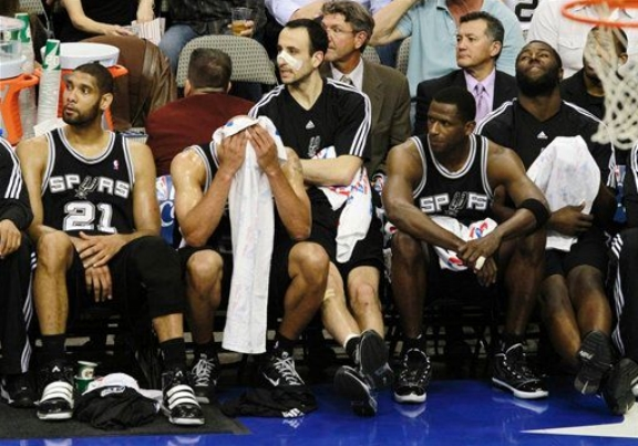 sad spurs bench