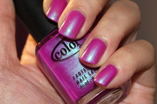 Color Club Ultra Violet (4/4 - flashed)