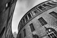 Library Walk (dr_raj) Tags: blackandwhite bw monochrome architecture manchester library canonefs1022mmf3545usm librarywalk