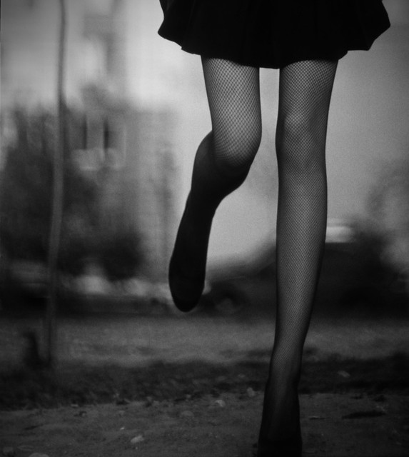 legs photo - Untitled by Sasha Nikitin