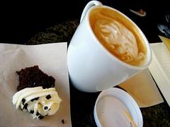 Peet's (aloveletteraway ) Tags: food cupcake latte peets soylatte