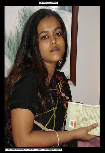 ahoramadhuri - Jaake Dhora Jaina