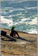 Guri e o mar (pqueirozribeiro) Tags: brazil people praia brasil pentaxsmc k10d pentaxk10d justpentax smcpda1650mmf28edalifsdm aficinonados pentaxsurhfr smcpentaxda16x50mmf28
