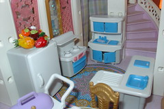 Playmobil castle kitchen (raining rita) Tags: castle kitchen miniatures bedroom king princess spires balcony toads prince steeple stairway queen frogs attic crown yardsale parlor playmobil