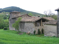 "Amazing stone houses • <a style=""font-size:0.8em;"" href=""http://www.flickr.com/photos/48277923@N00/2621286614/"" target=""_blank"">View on Flickr</a>"