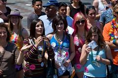 Seattle Pride 2008: Pride Parade: Spectators 30 (djwudi) Tags: seattle summer usa season washington hardware nikon downtown day time events d70s pride location parade prideparade gaypride themes centralbusinessdistrict gayprideparade quantaray seattlepride seattleprideparade photospecs