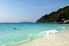 Similan Blue Clear Water, Thailand (_takau99) Tags: ocean trip travel blue sea vacation sky cloud white holiday beach water topv111 clouds thailand island islands sand topv333 indianocean topv444 wave topv222 clear thai tropical april saltwater similan 2007 andaman andamansea takau99