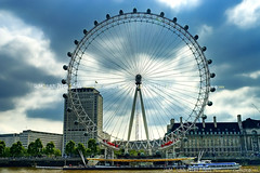 The London Eye - London - United Kingdom (Humayunn N A Peerzaada) Tags: uk england india westminster wheel millenniumwheel underground flyer model singapore europe photographer londoneye ferris waterloo ferriswheel actor maharashtra mumbai riverthames westminsterbridge hungerfordbridge stations kutch humayun thelondoneye jubileegardens madai festivalofbritain undergroundstations peerzada imagesoftheworld deolali singaporeflyer humayunn peerzaada domeofdiscovery kudachi kudchi humayoon humayunnnapeerzaada wwwhumayooncom humayunnapeerzaada grandeuropediscovery starofnanchang