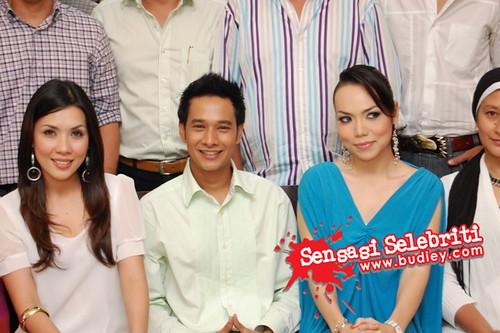 Pengurus Besar Kumpulan Pengurusan Jenama TV3, Puan Nurul Aini Abu