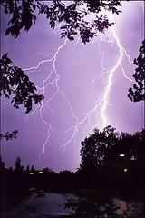 Violette (La-Valrie Ltourneau) Tags: light sky color nature landscape photo purple lumire violet ciel bolt mauve environment lightning thunder couleur argentique meteo argentic clair fascinant cmwdpurple