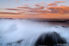 Smashing Waves (Haukur Johannesson) Tags: waves haukur ihatewritingtags jóhannesson smashingwaves