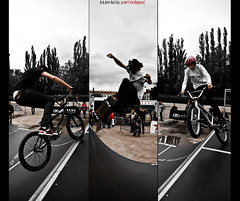 ~~ Desaxed World Cup Skateboard #08 ~~ (Julien Ratel ( Jll Jnsson )) Tags: sky lines bike sport grenoble canon jump bmx shoes cone contest competition battle flags skaters sneakers tokina event international skate baskets skateboard duel hugs dual rider tryptique tryptich sincity fil competitor drapeaux bisous graemerevell cnes 1224f4 40d burythehatchet adversaire julienratel julienratelphotography desax desaxworldcup
