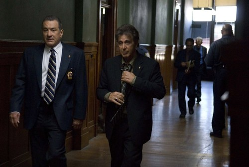 robert-de-niro-e-al-pacino-in-una-sequenza-del-film-sfida-senza-regole-righteous-kil-86291 da te.