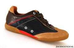 Tommy Hilfiger (Jeroenolthof.nl) Tags: white photography shoe jeroen nikon shoes background sb600 tommy product vr 56 lightbox hilfiger f35 1685 olthof wwwjeroenolthofnl jeroenolthofnl jeroenolthof
