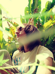 Shu (Dans.) Tags: portrait sky brown verde green venezuela autoretrato jardin scene caracas jungle cielo rayo marron selfpotrait dans castaño cabello ccs jungla selfpotraits vzla guatire