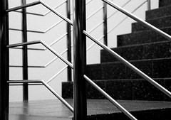 303/366 Upstairs and Downstairs ... Ascendant, Descendant ... (Janey Kay) Tags: blackandwhite lines stairs factory noiretblanc linie fabrik steps treppe escalera staircase scala descend escada 2008 usine ascend escaliers treppenhaus monter nikkor18200mmvr ascente project366 nikkor18200mmf3556vr overtheexcellence janeykay décente déscendre
