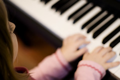 piano teacher singapore picture