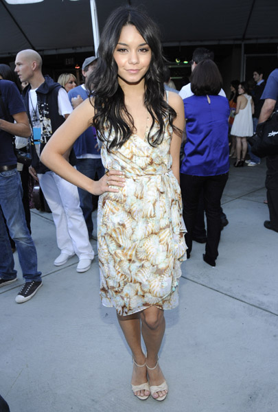 Vanessa Hudgens backstage at the 2008 MTV Movie Awards on June 1, 2008 at the Gibson Amphitheatre in Universal City, California.