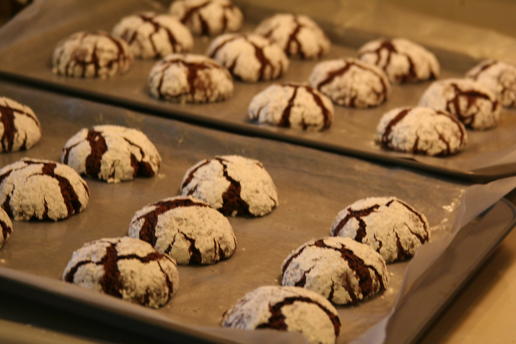 Chocolate-mint crinkles