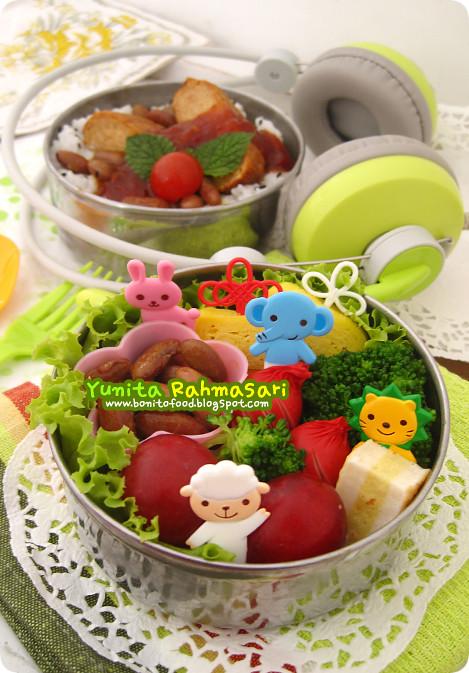 Tempeh Steak & Zoo Buddies Bento 1