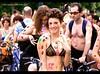 EDEN (Marco aka MenfiS) Tags: parco girl del naked torino colours turin colori valentino bicicletta nudista 2011 ciclonudistatorino turinnakedbikeride2011 manifestastazionetorino
