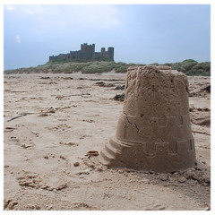 I Capture the Castle (Superlekker) Tags: uk england castle beach seaside scenery britain walk northumberland sands sandcastle northeast bamburgh ramble beachwalk washedout oneofmyfavouritebooks icapturethecastle dodiesmith anjalieder copyrightanjalieder2008