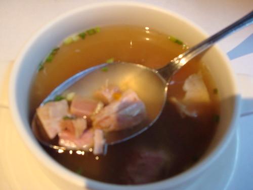 湯都是碎肉