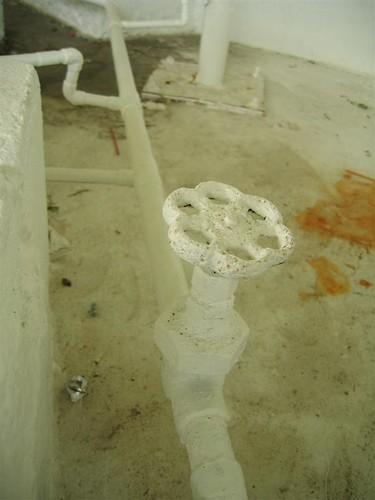 Decorative fountain water valve