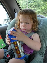 charlotte drinks a lot of water (alist) Tags: alist dublinnh charlottelasky cassiecleverly alicerobison july2008 ajrobison
